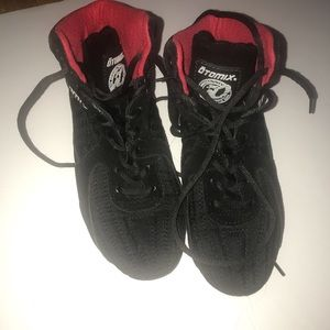 Otomix sports shoes size 6.5